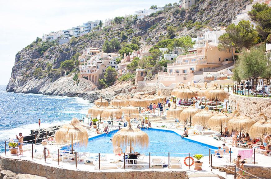 gran follies beach club pool