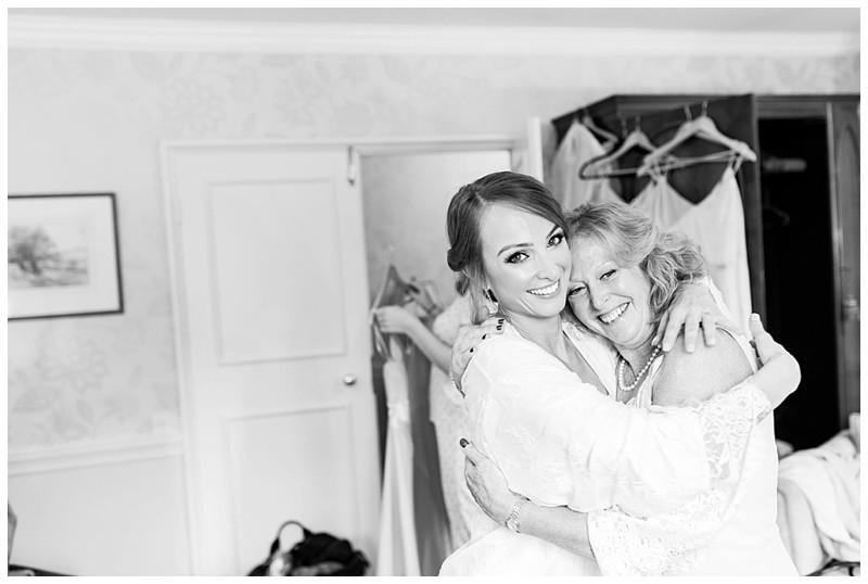 bride and mother, bride preparation