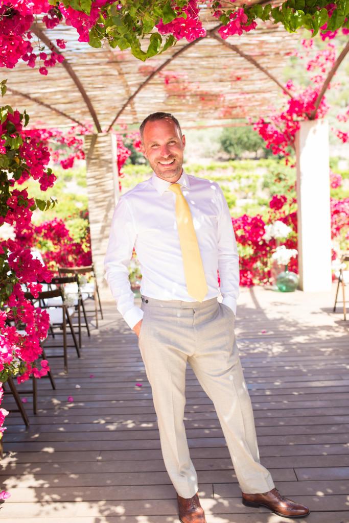 Mallorca Wedding, Mallorca wedding Photographer, Soller Wedding photographer, yellow tie