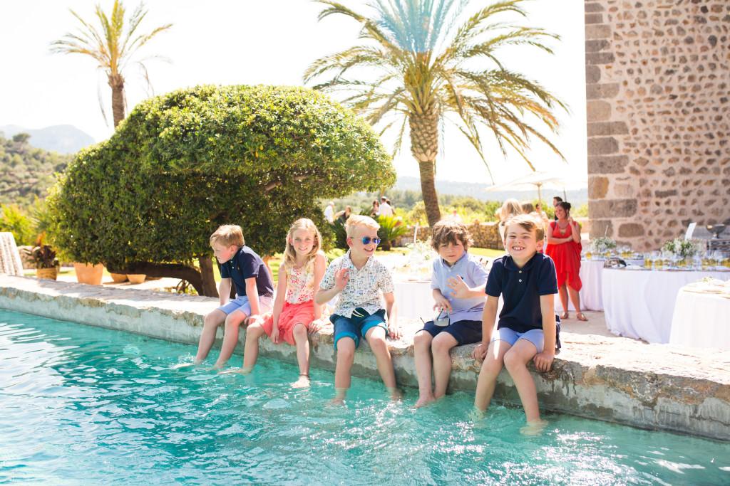 Mallorca Wedding, Mallorca wedding Photographer, Soller Wedding photographer, kids at weddings
